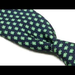 Vineyard Vines Marthas Vineyard Green Clover Tie